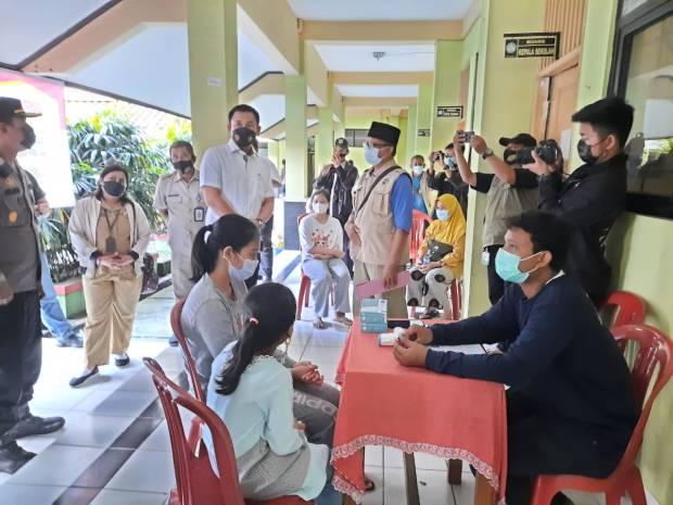 Ditreskrimsus Poda Metro Jaya Gencarkan Swab Antigen Kepada Pemudik di Kalibata