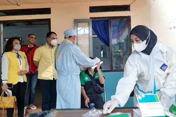 51 Pemudik di Manggarai Ikuti Swab Test Antigen