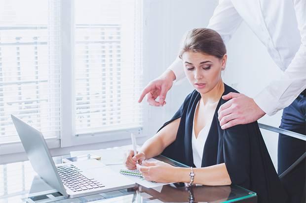 Jangan Diam saat Disentuh Tanpa Persetujuan di Kantor, Itu Pelecehan Seksual!