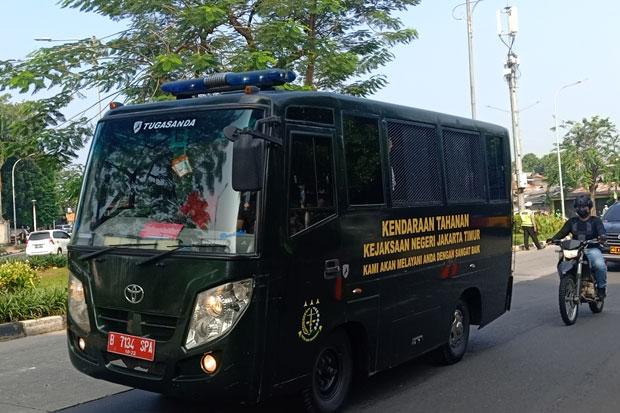 Tiba di PN Jakarta Timur dengan Pengawalan Ketat, Habib Rizieq Siap Bacakan Pledoi