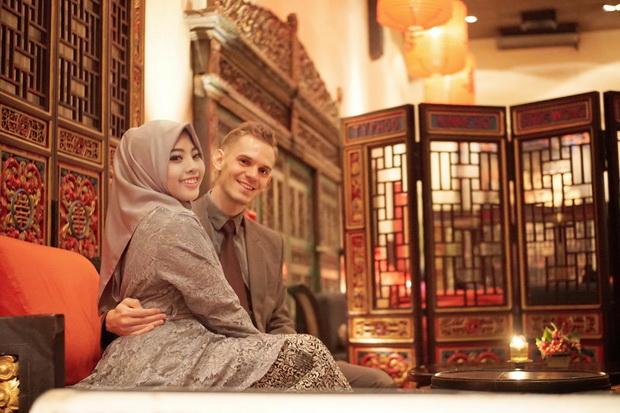 Sebulan Kenal, Pria Austria Masuk Islam dan Nikahi Selebgram Indonesia