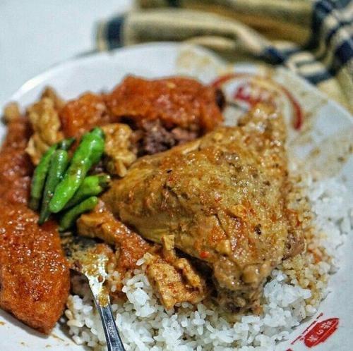 Cicip Makanan Khas di 7 Tempat Makan Legendaris di Jogja