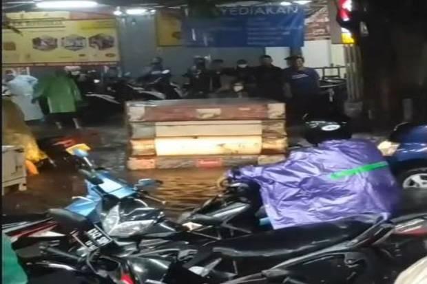 Banjir Rendam Sejumlah Kawasan di Bekasi
