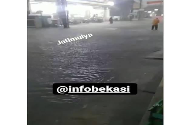 Dua Perumahan di Bekasi Dikepung Banjir