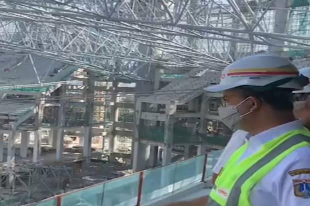 Anies Doakan Pengangkatan Rangka Atap Stadion JIS Seberat 3.900 Ton Berjalan Mulus