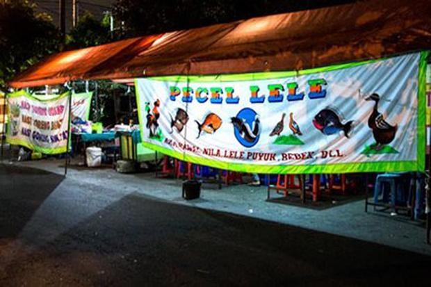 Curhat Pedagang Pecel Lele dan Mi Ayam Terkait Pengetatan Jam Malam