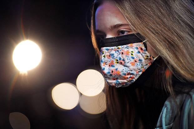 Kemenkes Imbau Gunakan 2 Masker, Ini Cara Pemakaian yang Benar