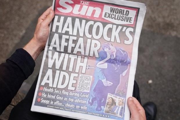 Skandal Ciuman Matt Hancock dan Ajudan, Publik Inggris: Moralnya Bangkrut!