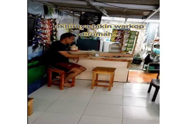 Jengkel Dilarang Nongkrong di Warkop Selama PPKM Darurat, Pria Ini Malah Bikin Warkop di Rumah