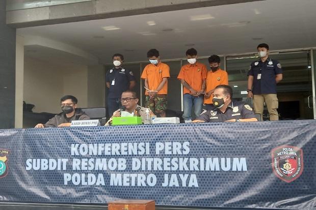 Polisi Ciduk 2 Anggota Geng Motor Perampok Warkop di Bekasi