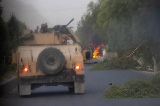 Serangan Kian Hebat, Taliban Klaim Kuasai 90% Perbatasan Afghanistan