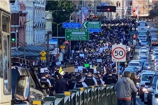 Ribuan Orang Demo Menentang Lockdown di Australia, Dicap Orang Bodoh yang Egois