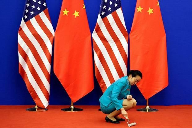 Dua Agen China Didakwa di AS karena Targetkan Oposisi Beijing di Amerika