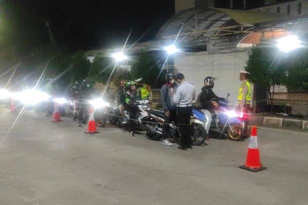 Selama PPKM, 114.608 Kendaraan Diputar Balik di Pos Penyekatan Jakarta Timur