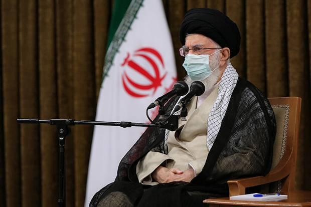 Salahkan AS atas Tertundanya Pembicaraan Kesepakatan Nuklir, Khamenei: Mereka Pengecut