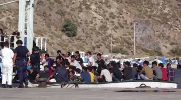 Turki Tahan 208 Migran Afghanistan dalam Perjalanan Laut ke Italia