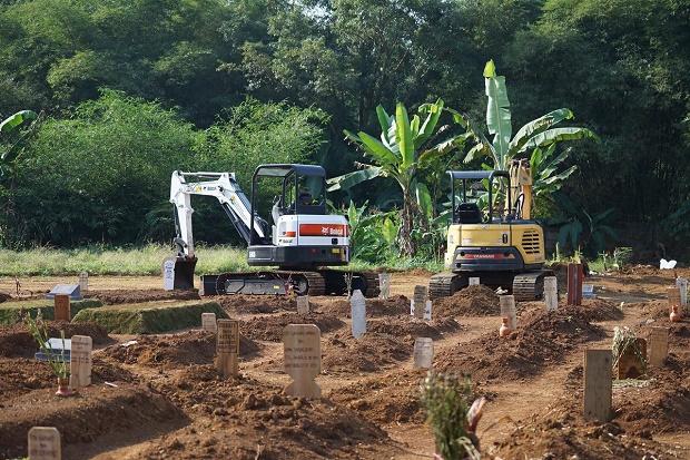 Bantu Gali Makam COVID-19, Kementerian PUPR Kirim 2 Excavator ke Kota Bogor