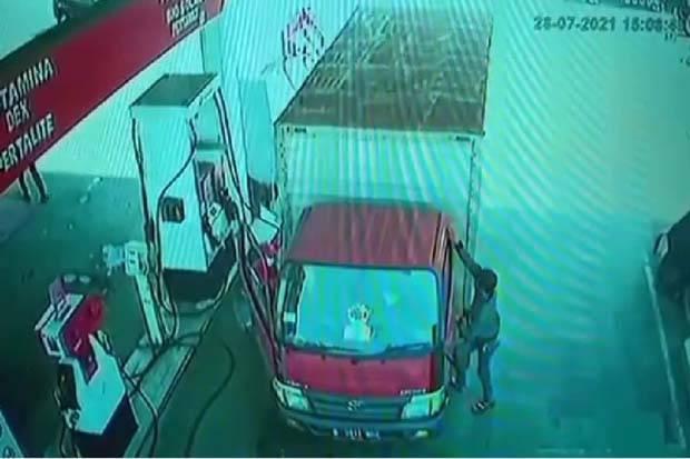 Sopir Truk Kemalingan di SPBU, Uang Setoran Puluhan Juta Rupiah Melayang