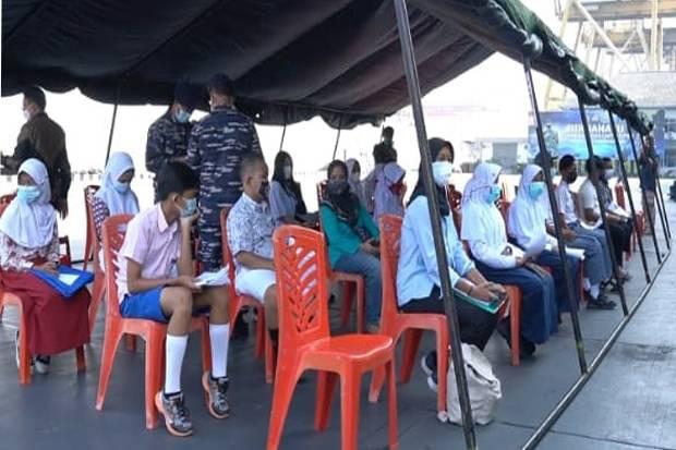 Usai Divaksin, Siswa SMP dan SMA di Jakarta Utara Ikuti Wisata Edukasi di KRI Teluk Youtefa-522