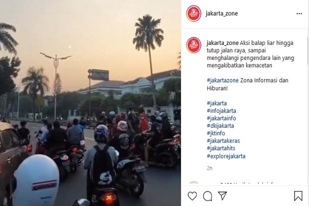 Viral Aksi Balap Liar di Pondok Indah Bikin Macet, Warganet: Padahal Pos Polisi di Depan Mereka