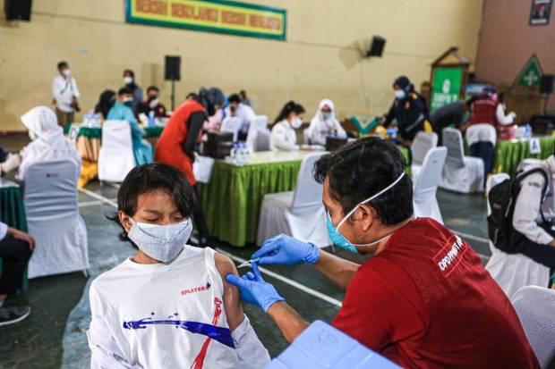 Agustus, Ribuan Pelajar Bekasi Mulai Disuntik Vaksin Sinovak