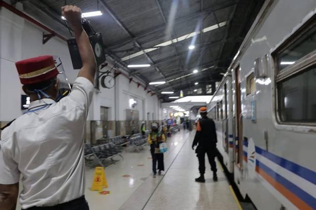 PT KAI Daop I Batasi Penumpang Usia di Bawah 12 Tahun untuk Kereta Api Jarak Jauh