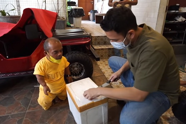 Raffi Ahmad Bayar Durian Ucok Baba dengan Mobil Baru