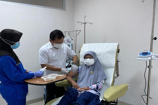Disuntik Vaksin Nusantara oleh Terawan di RSPAD, Guru SD dari Pedalaman Ini Terharu