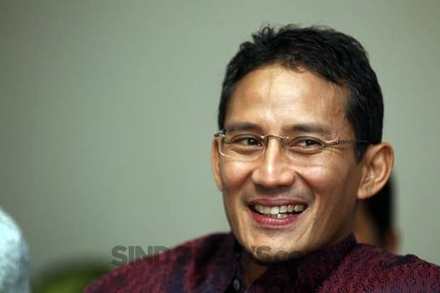Sandiaga Uno Tersentuh Aksi Netizen Galang Donasi Rp100 Juta untuk Penjual Agar-Agar di Garut