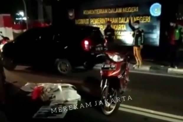 Kecelakaan di Depan Kampus IPDN Cilandak, Seorang Pemotor Tewas di Tempat