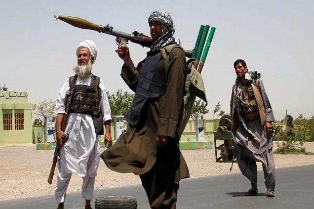 Perang Taliban di Afghanistan: Bom Jatuh Saban Menit, Mayat-mayat di Jalan