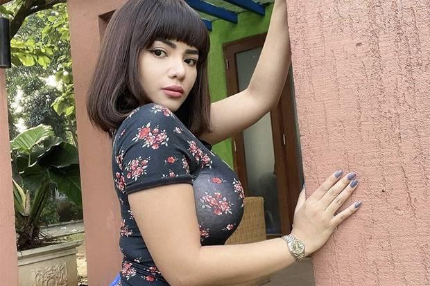 DJ Dinar Candy Bikin Heboh Gara-gara Protes PPKM Pakai Bikini, Begini Awal Kariernya