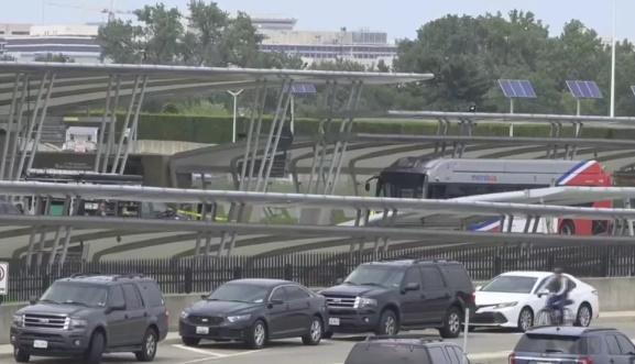 Penembakan Tewaskan Satu Orang, Pentagon 'Dikunci' Sementara