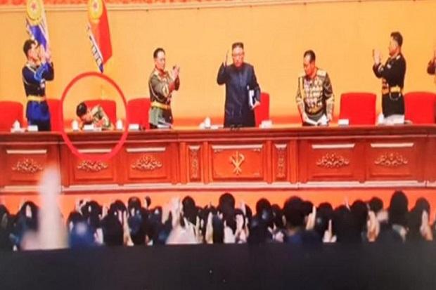 Menhan Korut Ogah Tepuk Tangan untuk Kim Jong-un, Nasibnya Dipertanyakan