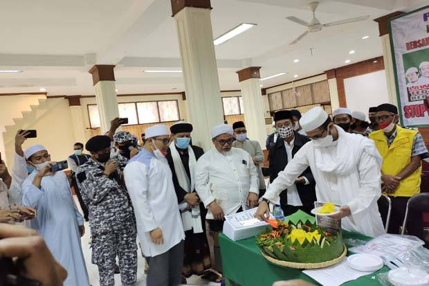 Habib Rizieq Ulang Tahun, Tokoh dan Ulama Doa Bersama dan Potong Tumpeng
