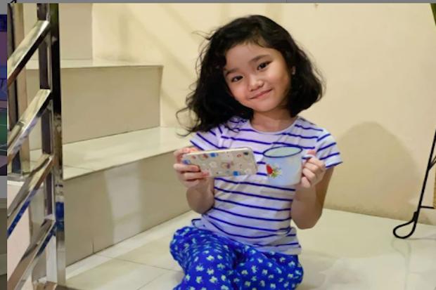 Jawab Pertanyaan Netizen, Bilqis Parodikan Ayah Rozak: Anak Bunda Mah Cantik