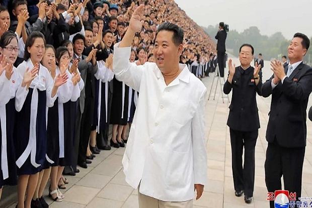 Kim Jong-un Terlihat Lebih Kurus, Rakyat Korut Menangis