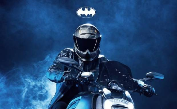 Helm Buatan Ruroc Bikin Anda Keren Seperti Joker dan Batman
