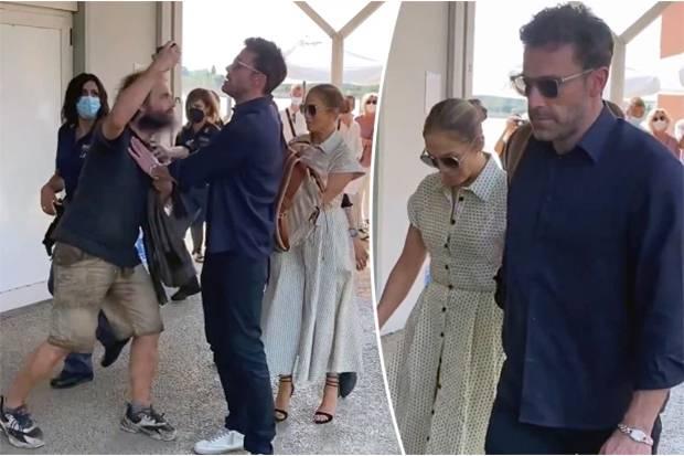 Ben Affleck Dorong Fan Agresif yang Ingin Berswafoto bareng Jennifer Lopez