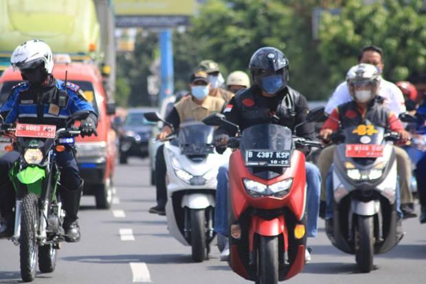Wakil Wali Kota Bekasi Naik Motor Tinjau Titik Rawan Banjir