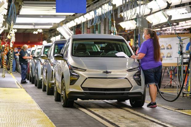 Masalah Baterai Belum Tuntas, Produksi EV Chevy Bolt Dihentikan Sementara