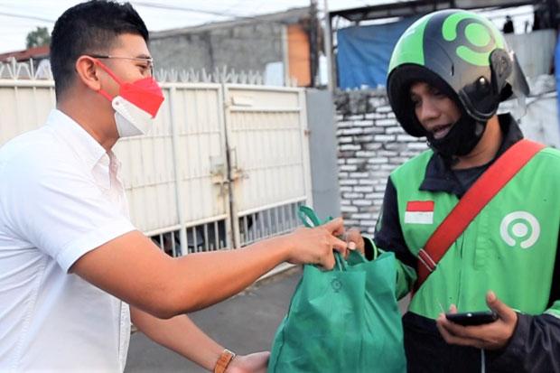 Terdampak Pandemi, Warga Bekasi Dapat Paket Sembako dari Pintarpedia