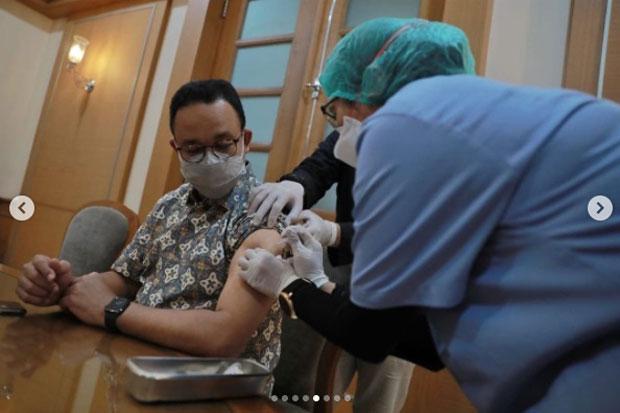 Anies Disuntik Dosis ke-2 AstraZeneca, Netizen: Go to Normal Pak