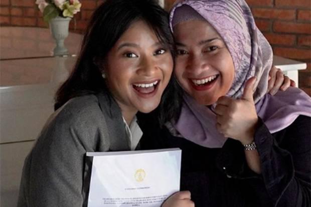 Keren! Putri Aldi Bragi-Ikke Nurjannah Raih IPK Tertinggi Fakultas Hukum UI