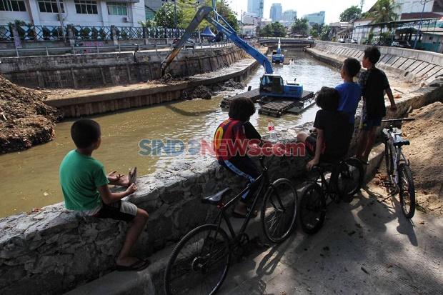 Pemprov DKI Tampung Warga Terdampak Normalisasi Kali Ciliwung di Rusun Pasar Rumput