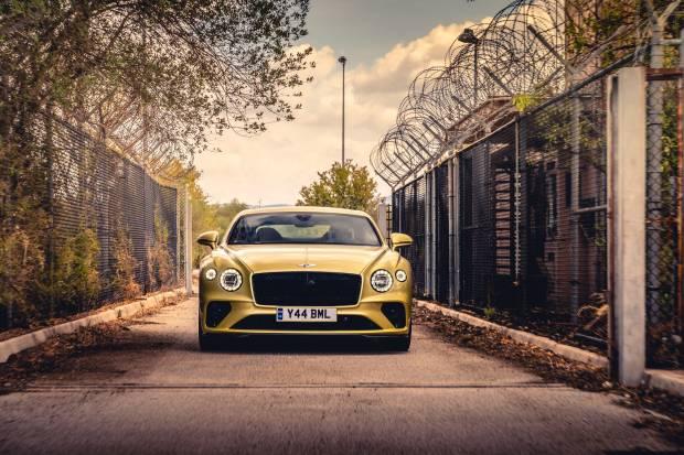 Bentley Ubah Pangkalan Udara Bekas Perang Dunia Kedua Jadi Lahan Test Drive