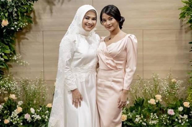 Potret Siti Adira Kania, Putri Ikke Nurjanah yang Lulus dari UI dengan Predikat Cum Laude