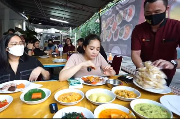 Nagita Slavina Ngidam Boyong Restoran Padang ke Rumah