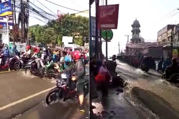 Simpang Mampang di Pancoran Mas Depok Banjir Padahal Tidak Turun Hujan