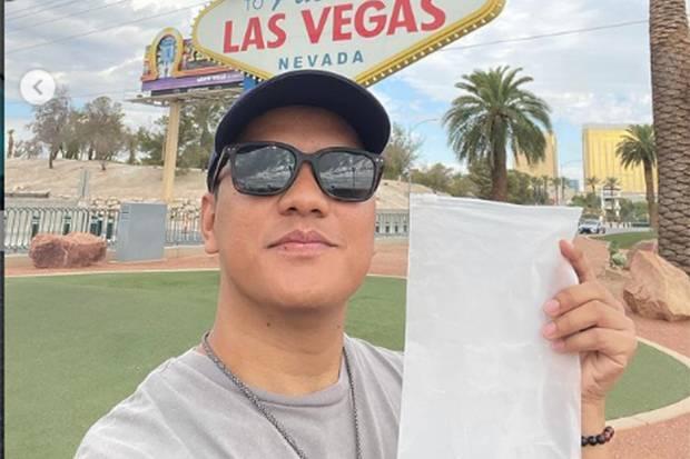 Arief Muhammad Bantu Guru Honorer dari Hasil Jual Udara Las Vegas Senilai Rp210 Juta